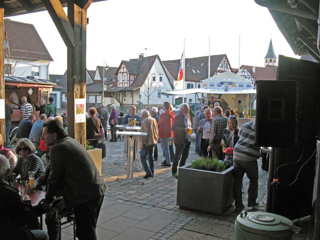 Rund 250 Besucher kamen zur Biervorstellung des Etterdorfbräu
